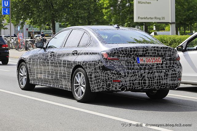 BMW 3-Series08