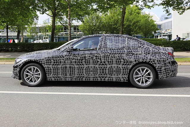 BMW 3-Series11