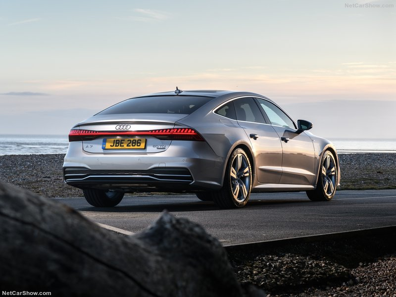 Audi-A7_Sportback_UK-Version-2018-800-0a.jpg