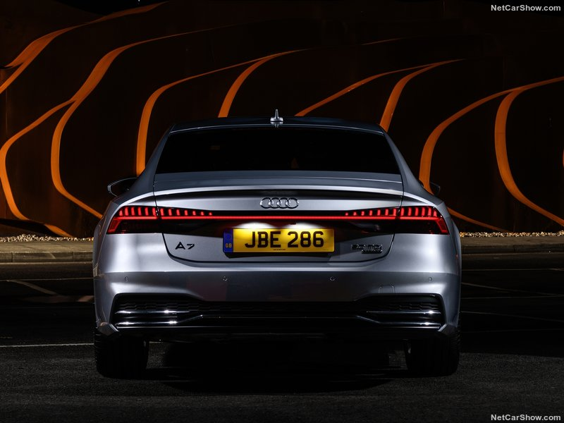 Audi-A7_Sportback_UK-Version-2018-800-0e.jpg