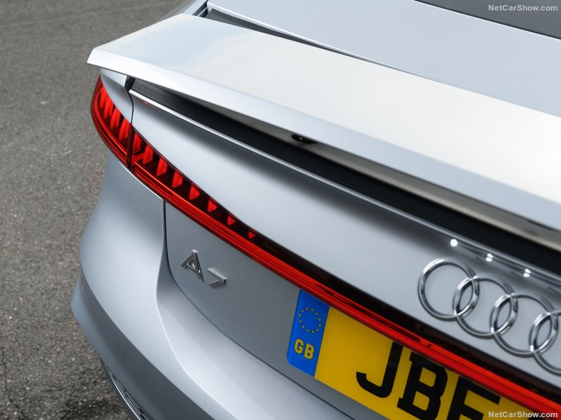 Audi-A7_Sportback_UK-Version-2018-800-39.jpg