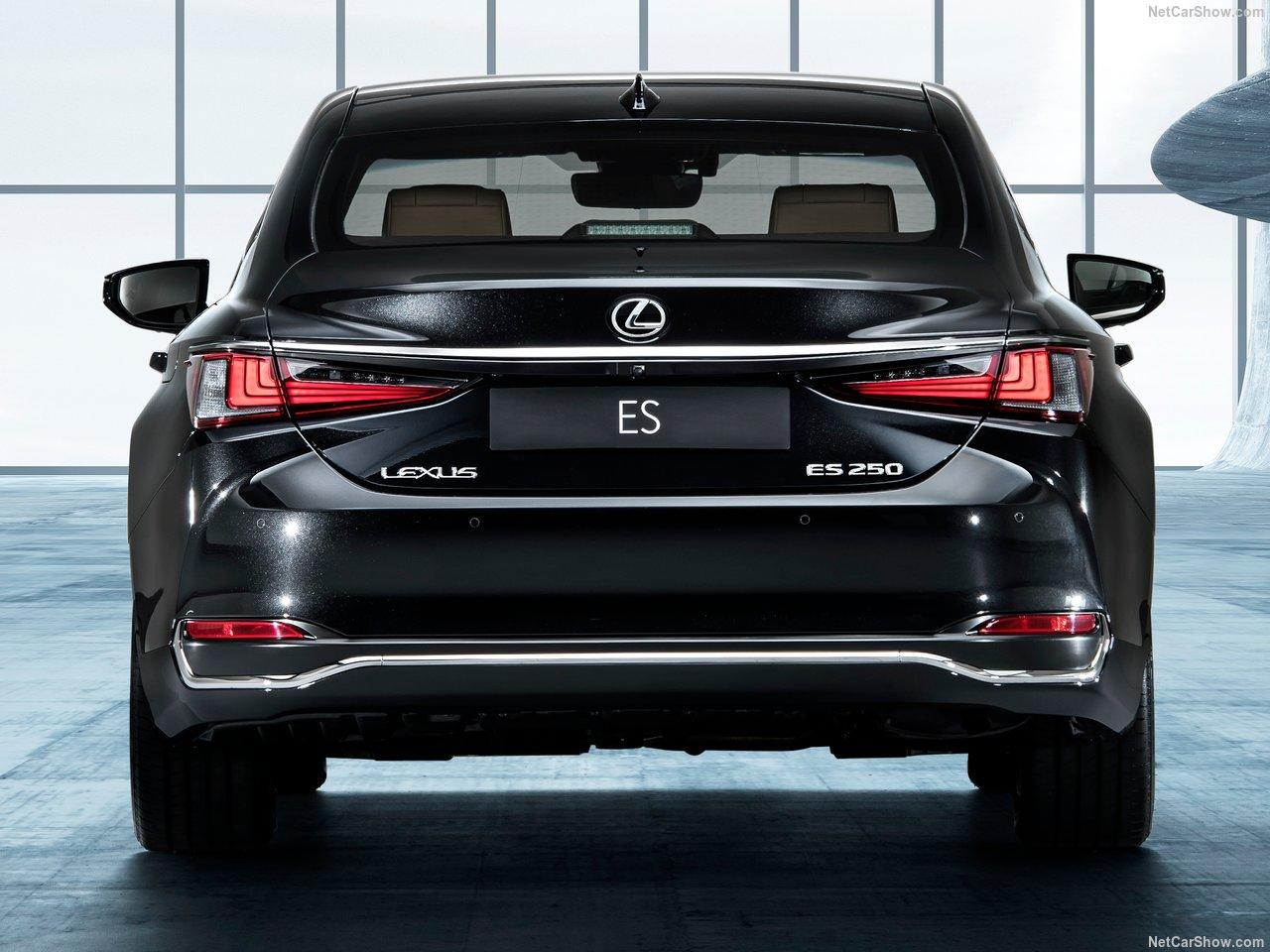 Lexus-ES-2019-1280-1e.jpg