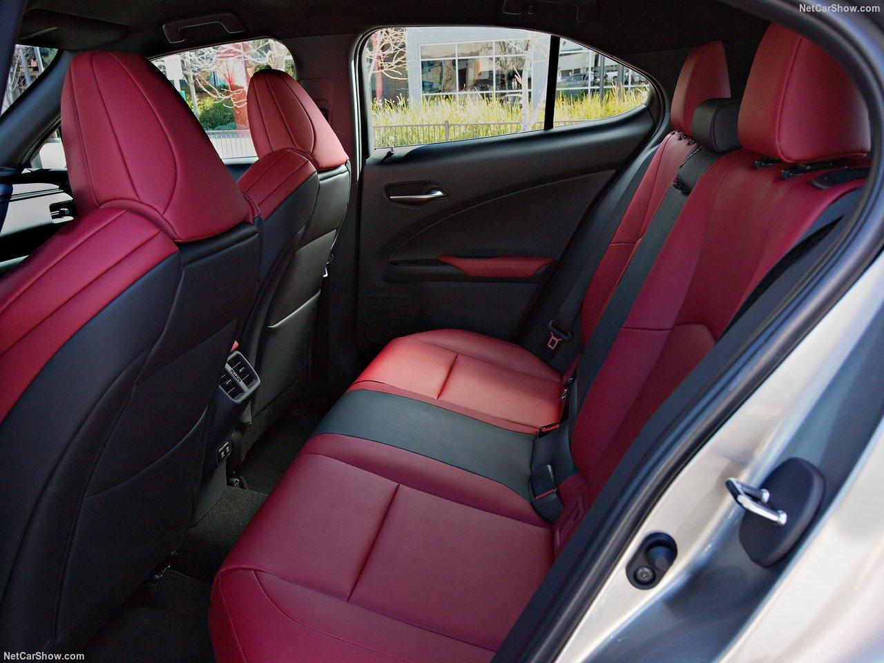 Lexus-UX-2019-1280-3d_2018081900501489a.jpg