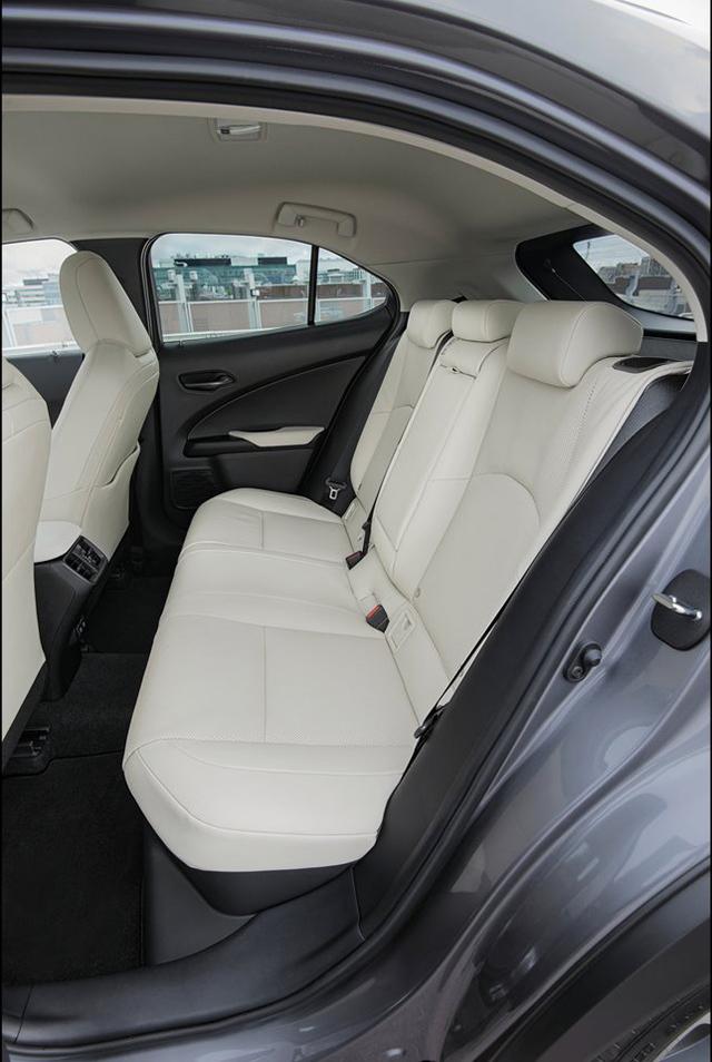 Lexus-UX-2019-1280-cb.jpg