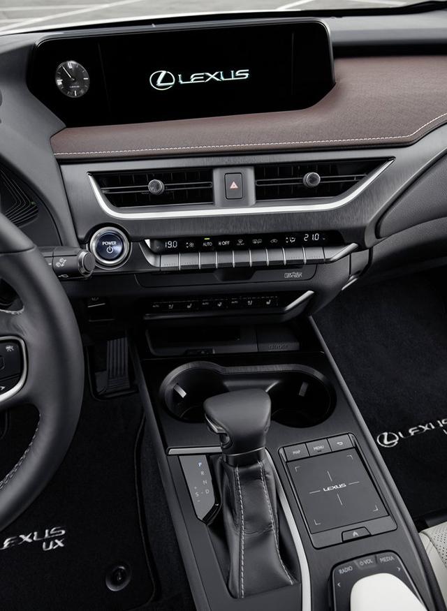 Lexus-UX-2019-1280-cd_2018082914311764d.jpg