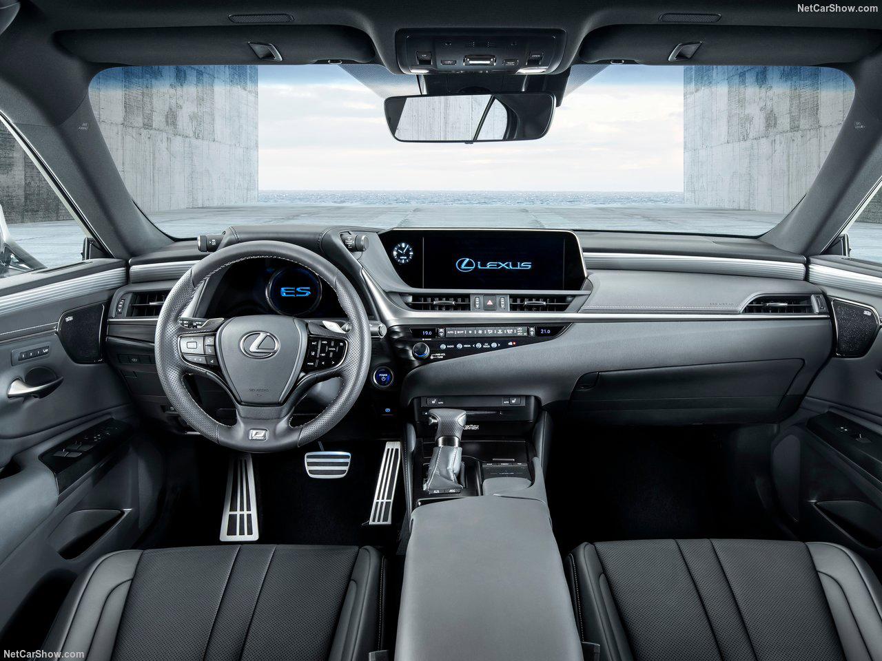 LexusES43_20180830185115acf.jpg