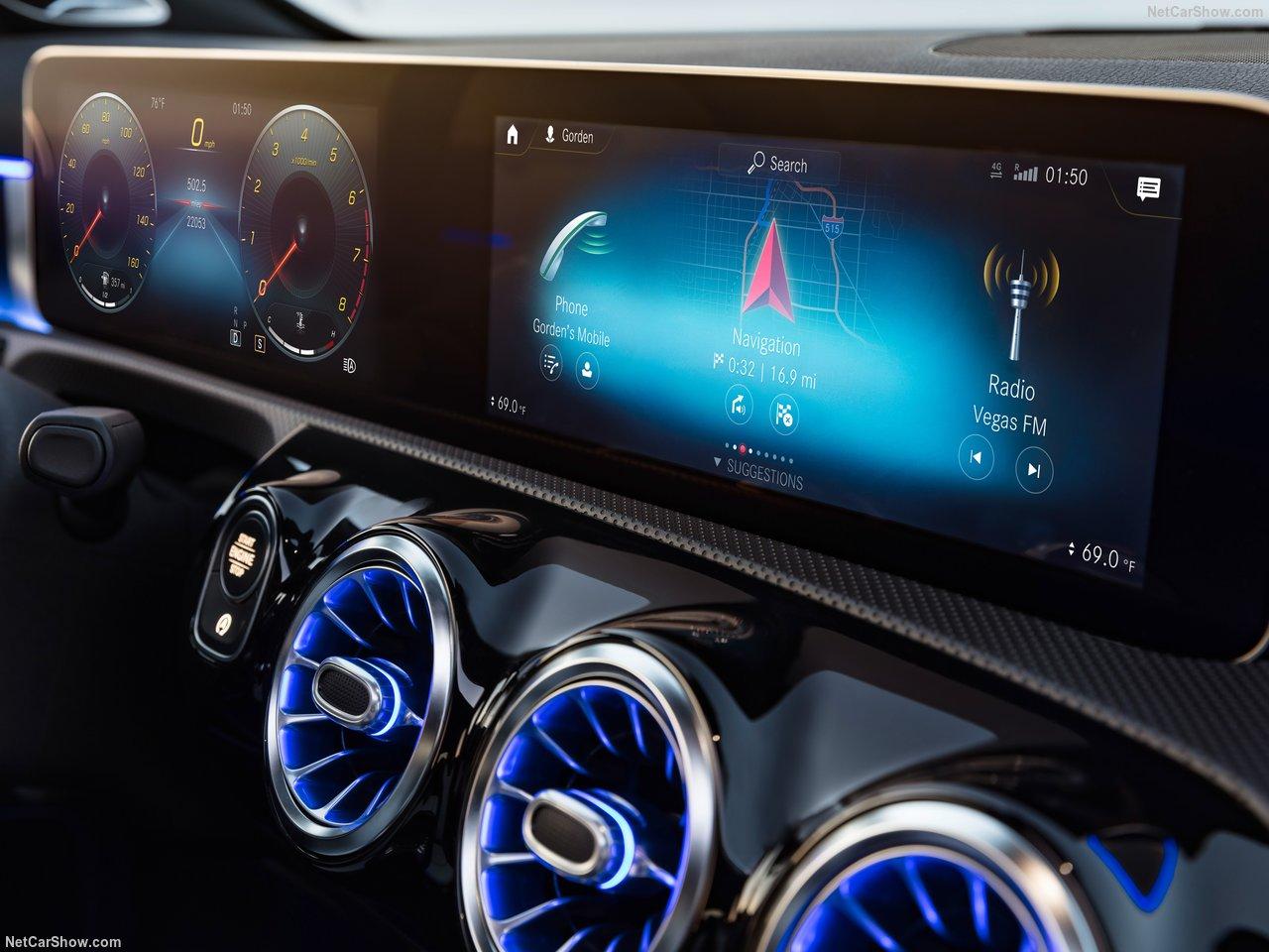 Mercedes-Benz-A-Class-2019-1280-46_201809111606036d6.jpg