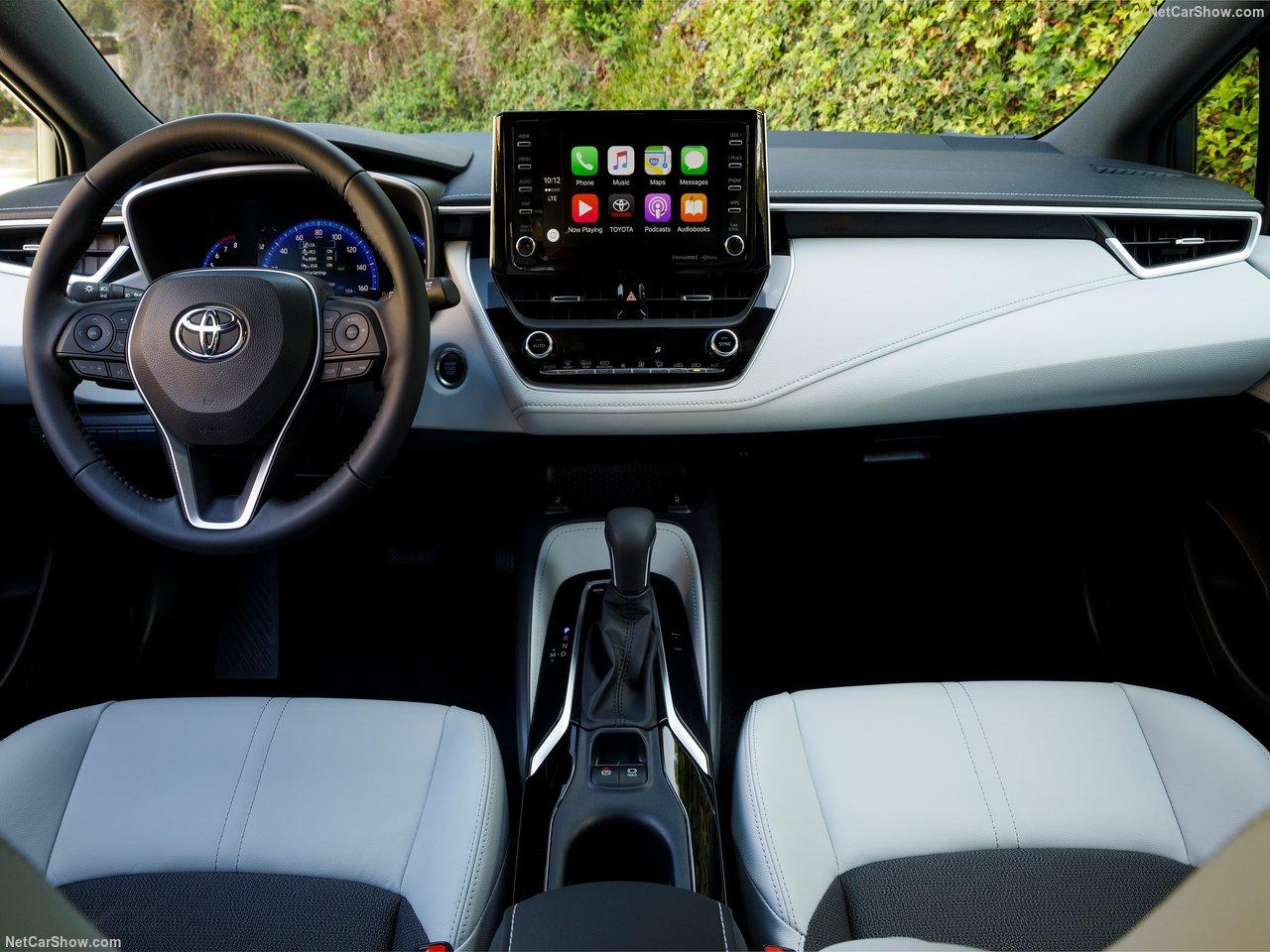Toyota-Corolla_Hatchback-2019-1280-28.jpg
