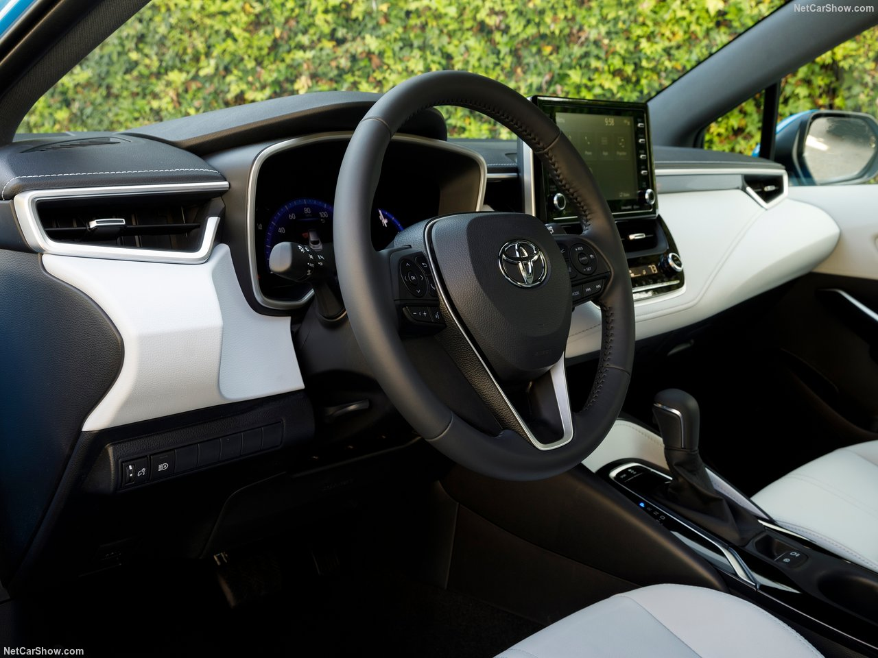 Toyota-Corolla_Hatchback-2019-1280-2e.jpg