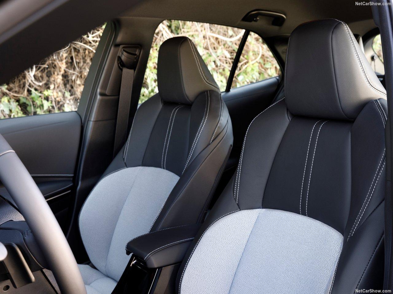 Toyota-Corolla_Hatchback-2019-1280-36.jpg
