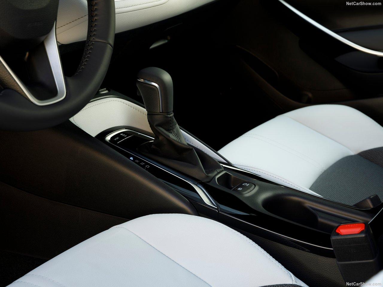 Toyota-Corolla_Hatchback-2019-1280-3e.jpg