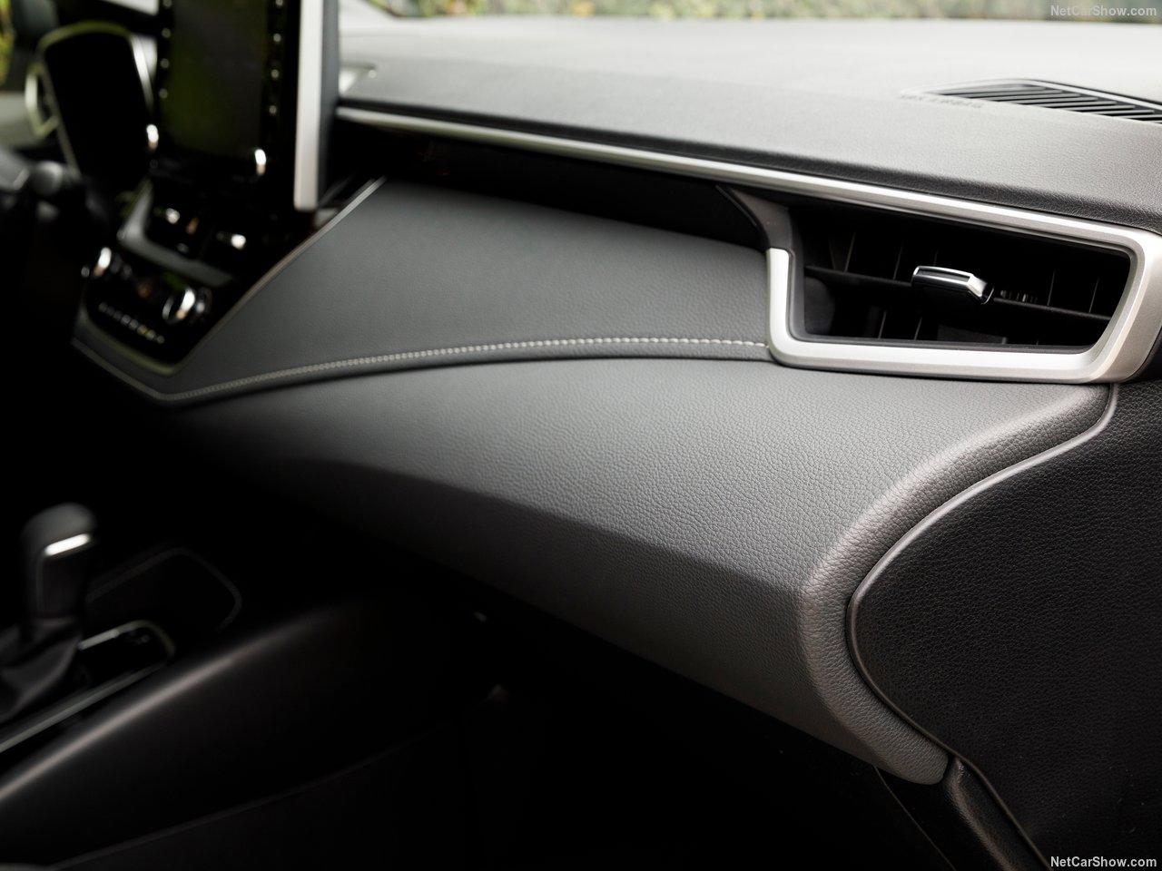 Toyota-Corolla_Hatchback-2019-1280-47.jpg