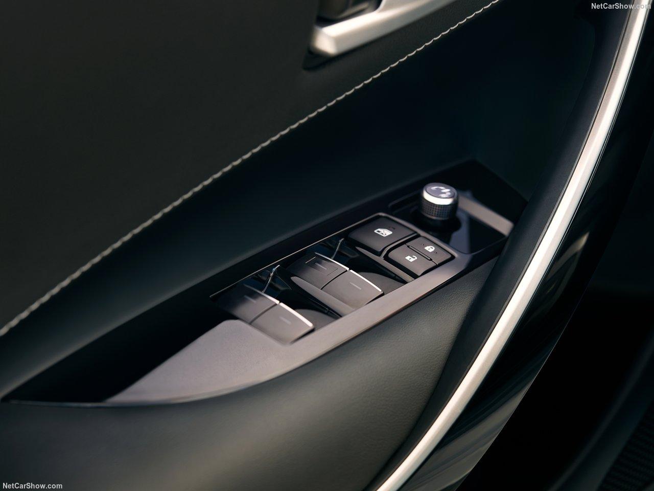 Toyota-Corolla_Hatchback-2019-1280-4b.jpg