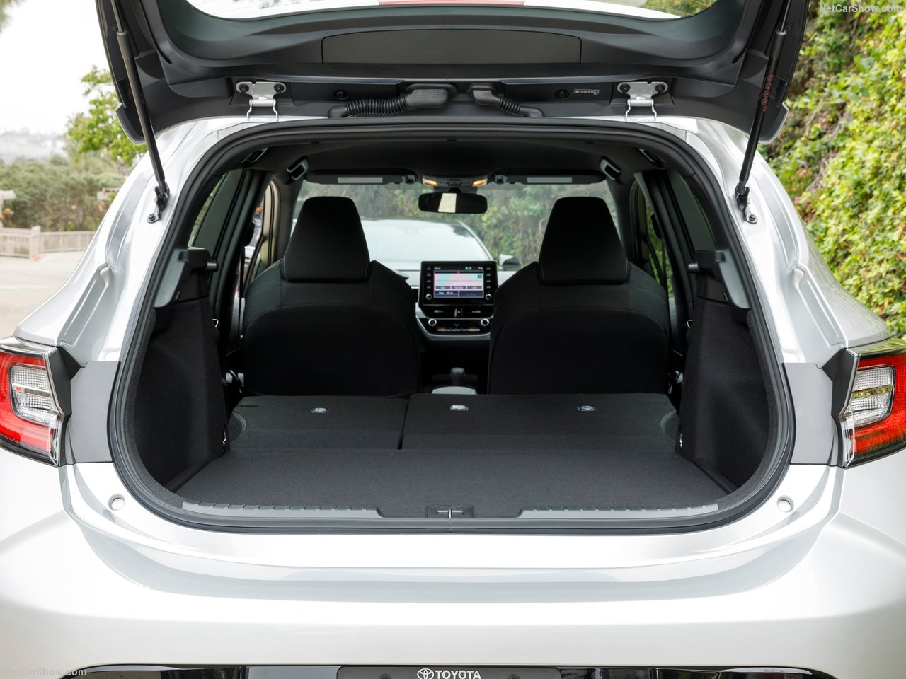 Toyota-Corolla_Hatchback-2019-1280-57.jpg