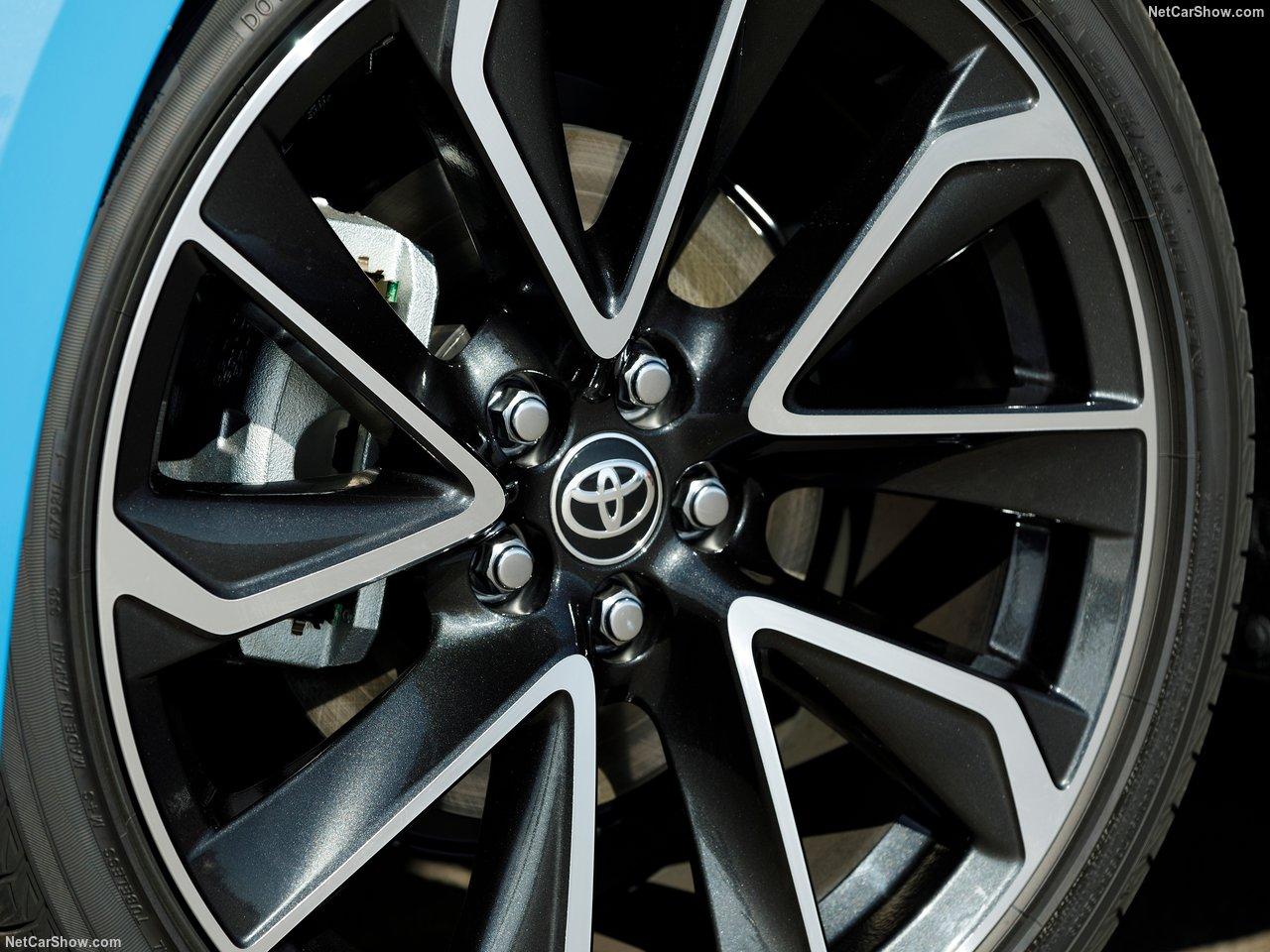 Toyota-Corolla_Hatchback-2019-1280-6e.jpg