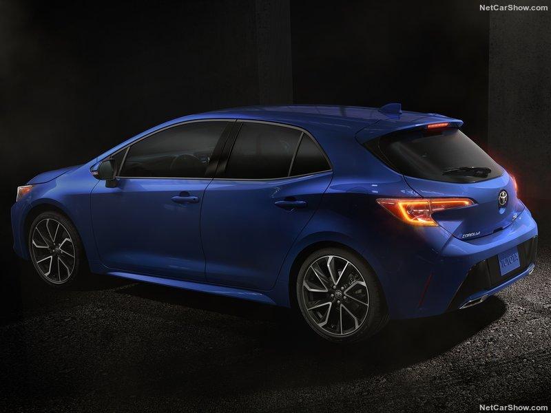 Toyota-Corolla_Hatchback-2019-800-18.jpg