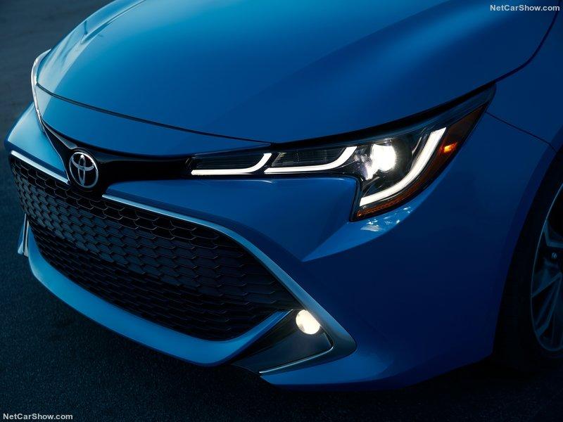 Toyota-Corolla_Hatchback-2019-800-59.jpg