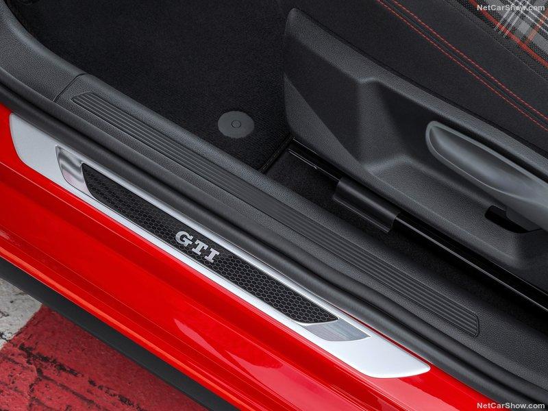 Volkswagen-Polo_GTI-2018-800-67.jpg