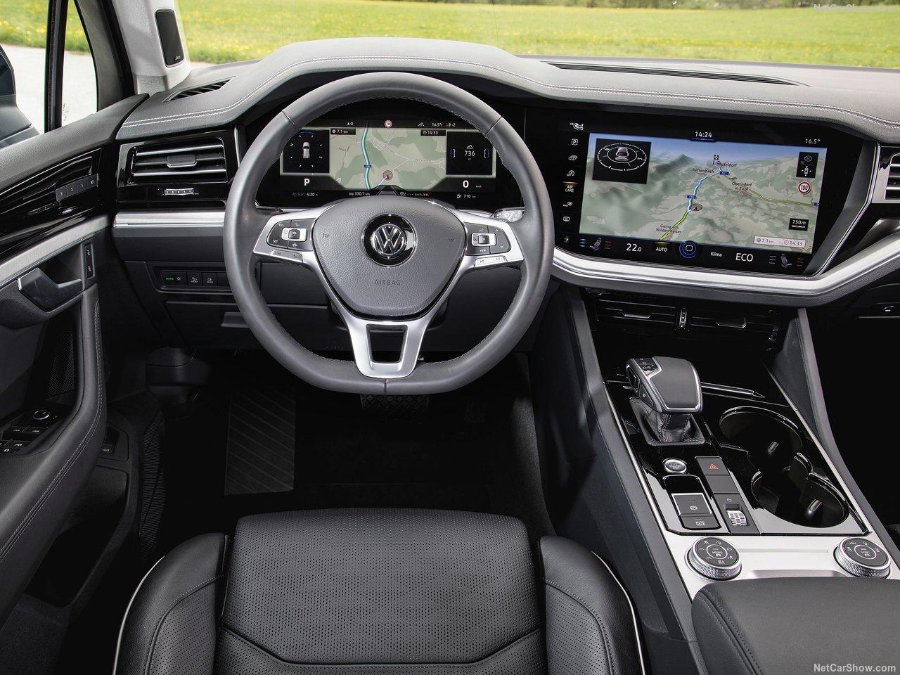 Volkswagen-Touareg-2019-1280-64.jpg