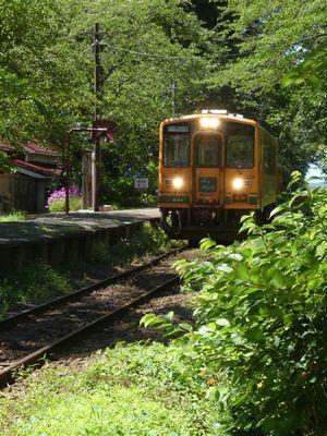 ★駅舎列車
