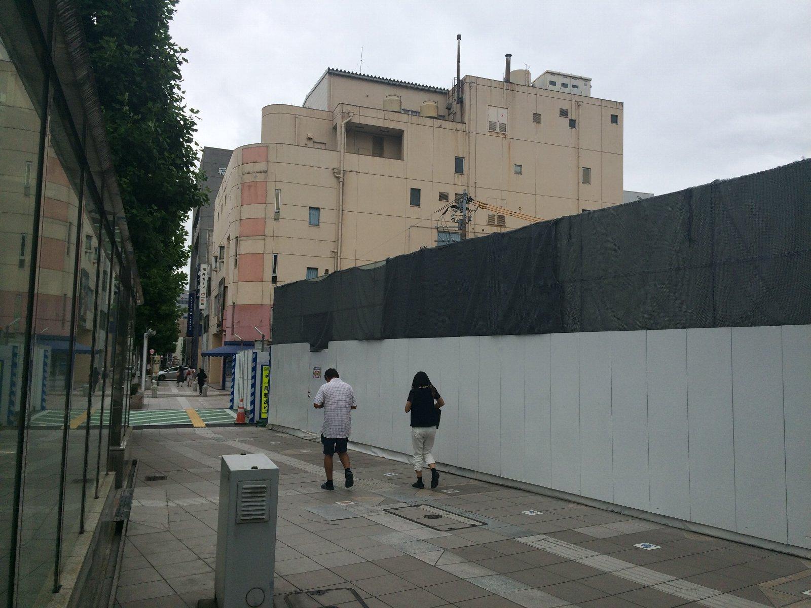20180808 かつてはこの壁に映画のスチルが並んでいた