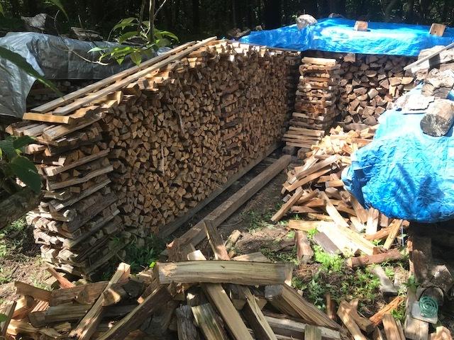 焚きつけ杉の薪崩れ4