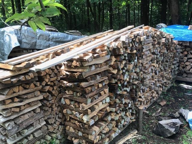 焚きつけ杉の薪崩れ7