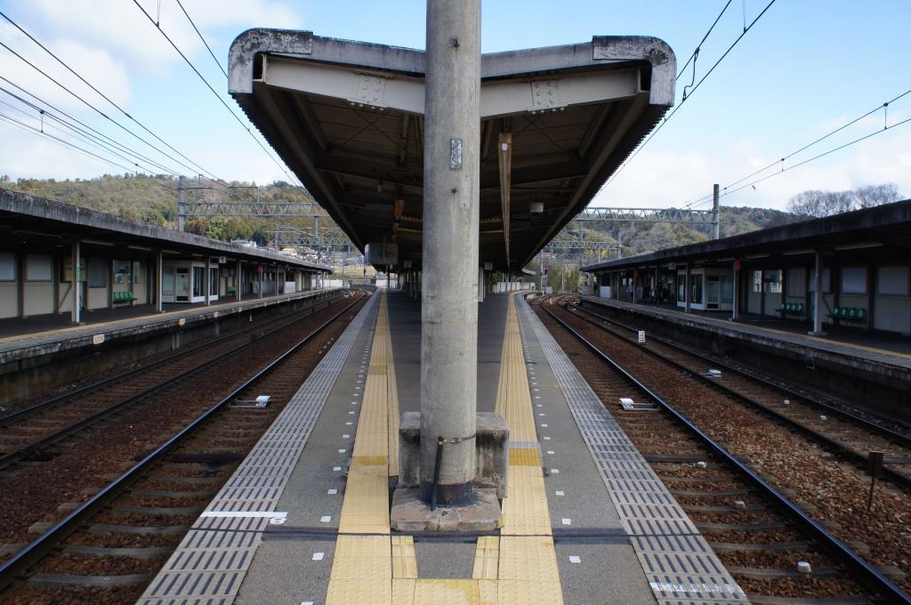 山下駅09