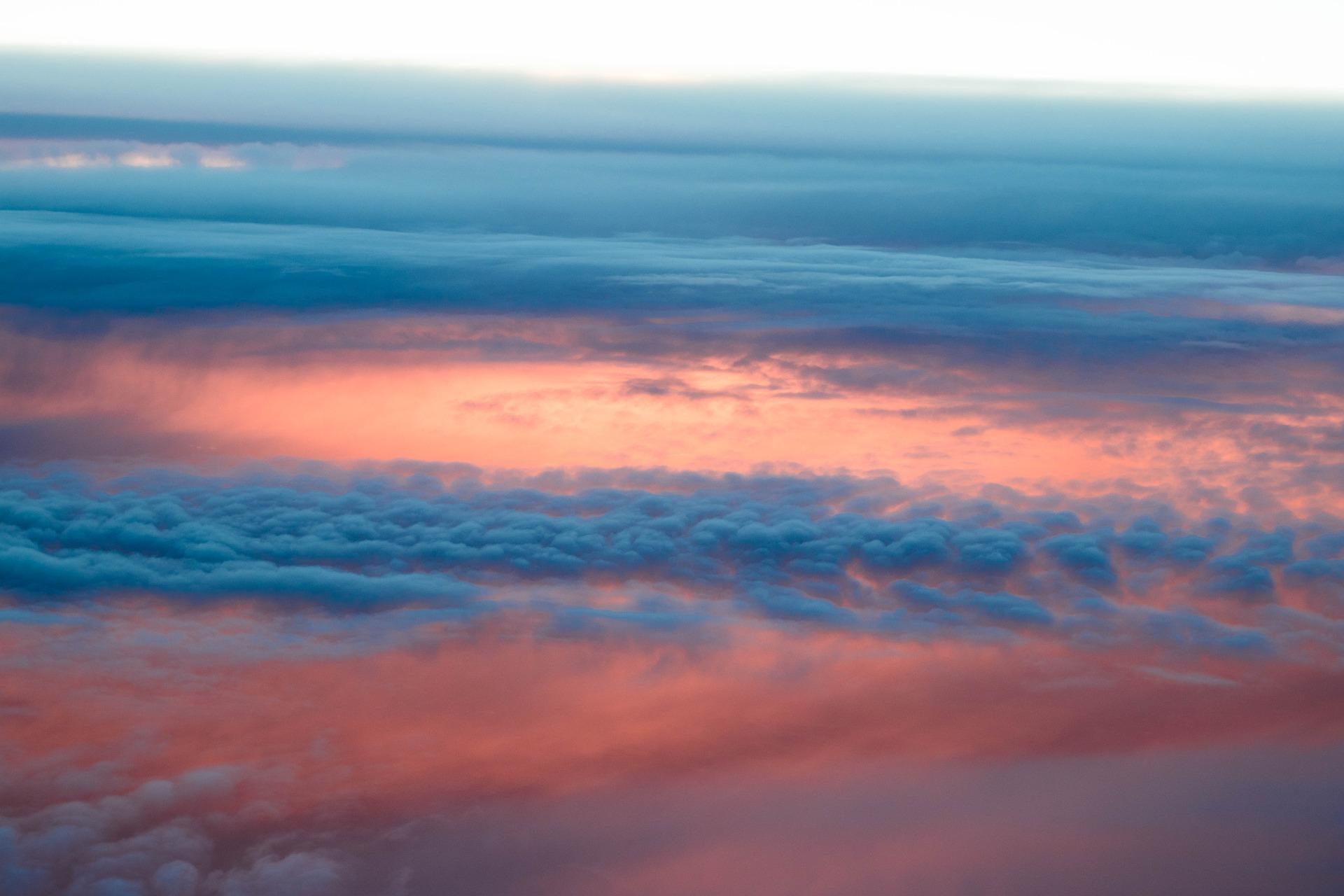 sky-2680053_1920.jpg