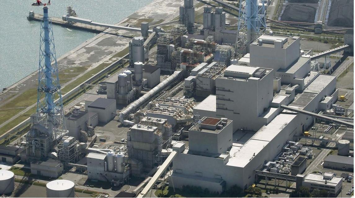 地震により緊急停止した苫東厚真火力発電所