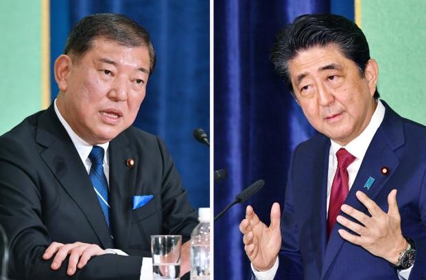 自民党総裁選公開討論会の安倍氏と石破氏
