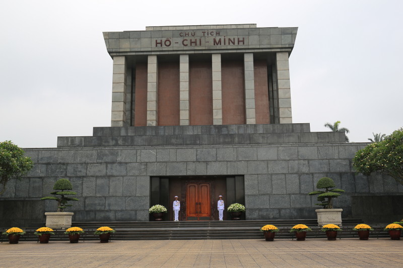 ハノイ 観光 ホーチミンの家 ホーチミン廟