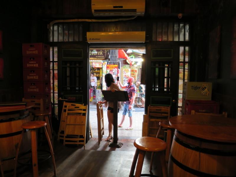 ハノイ ビール 飲み屋街
