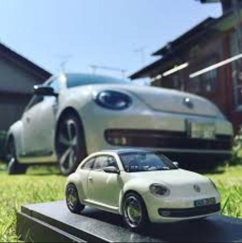 ミニカーと車