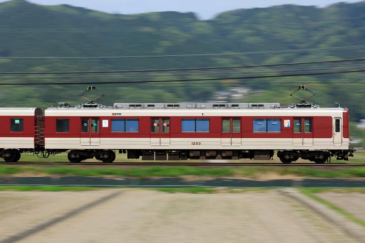 Kintetsu1020-15s.jpg