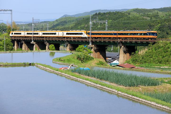 Kintetsu12200-50s.jpg