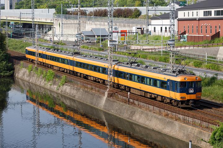 Kintetsu12200-80s.jpg