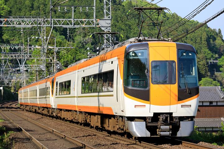 Kintetsu22000-31s.jpg