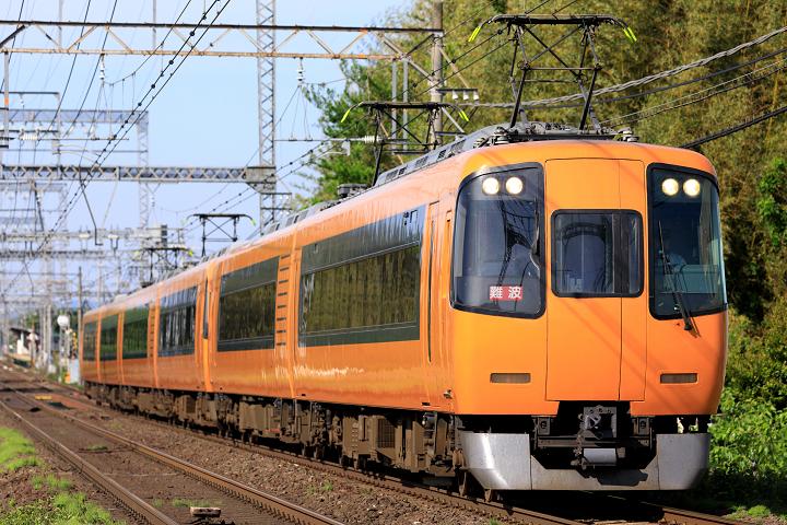 Kintetsu22000-37s.jpg