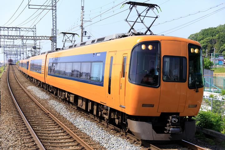 Kintetsu22000-45s.jpg
