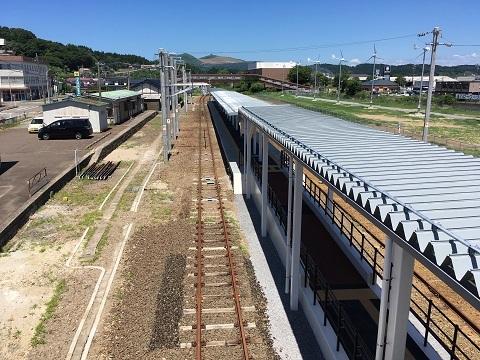 男鹿駅ホーム2