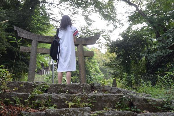草いきれのなかにある蚕影神社