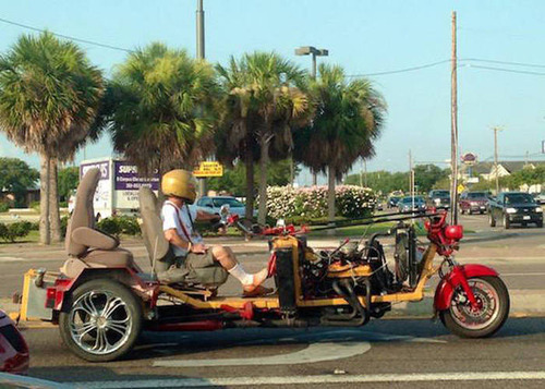 もはや職人技!?自動車やバイクで凄いものを運んでる画像の数々!!の画像(17枚目)