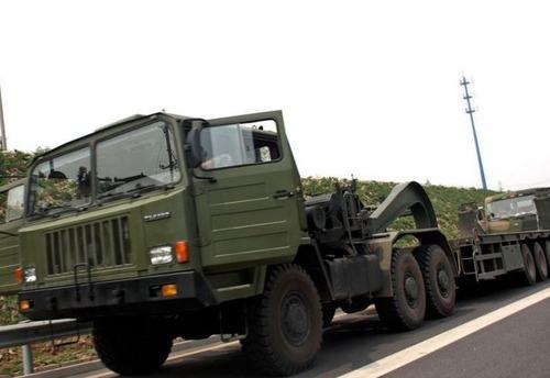 戦車が運べる超大型キャリアカーの画像(8枚目)
