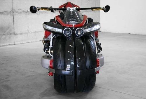 バイク?エンジン?4700ccのエンジン搭載の化け物のようなバイク!!の画像(10枚目)