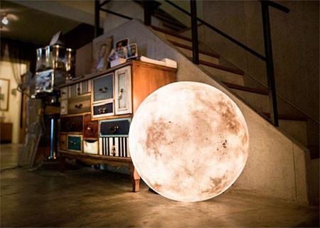 【画像】満月そのままのランプ「Full Moon Lamp」が凄い!!の画像(7枚目)