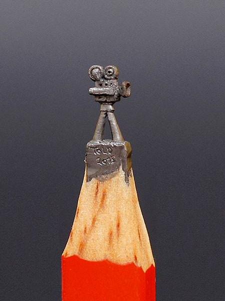 新作!?鉛筆の芯で作る彫刻が凄いwwwの画像(2枚目)