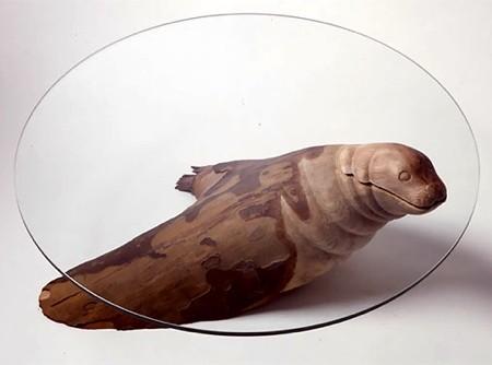 水辺に浮かぶ生物達のテーブル05