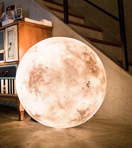 【画像】満月そのままのランプ「Full Moon Lamp」が凄い!!の画像(3枚目)