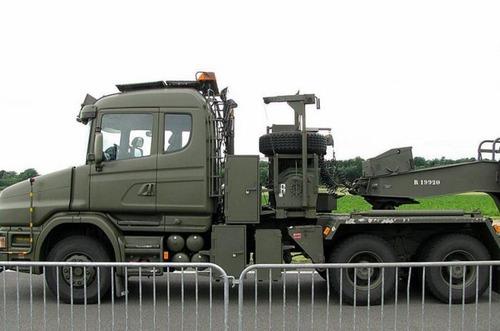 戦車が運べる超大型キャリアカーの画像(15枚目)